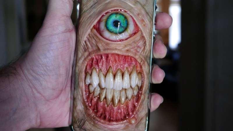 terrificanti cover per smartphone