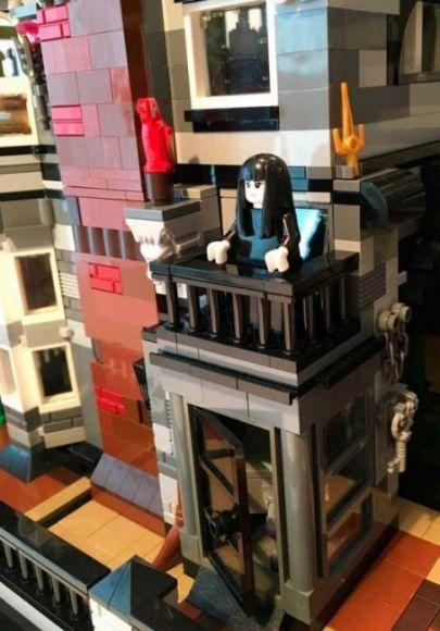 La casa della famiglia addams lego potrebbe presto essere - Costruisci casa ...