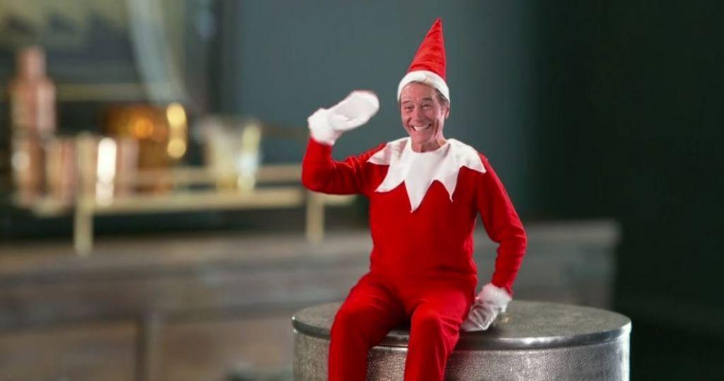Bryan Cranston vestito da elfo