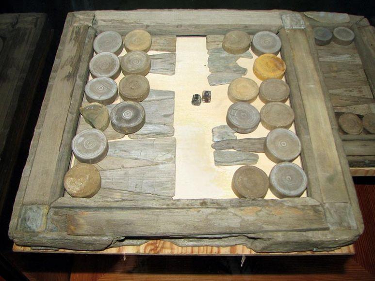 Backgammon – 3000 a.C.