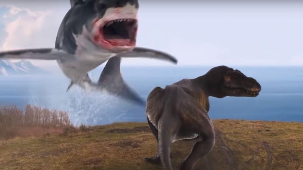Sharknado 6 Uno squalo combatte un T-Rex