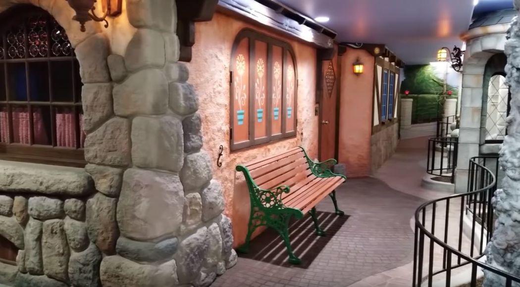 Replica di Fantasyland seminterrato