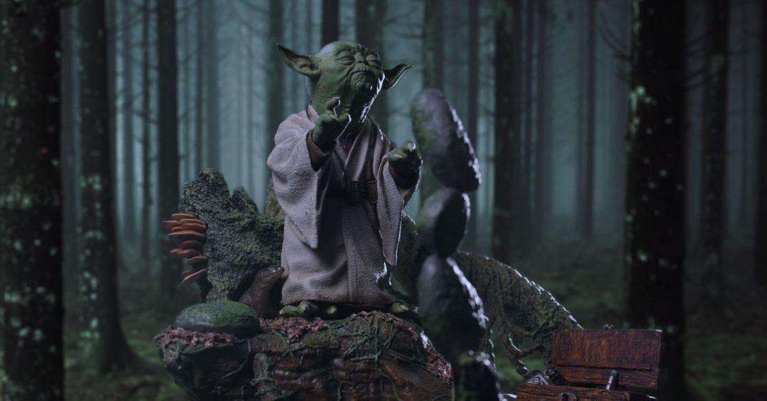 statua di Yoda di Iron Studios