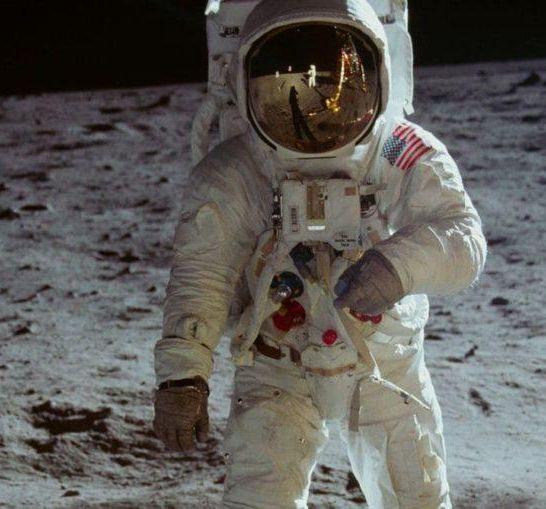 Apollo 11 Neil Armstrong
