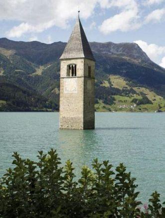 curon netflix campanile lago di resia
