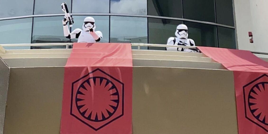 Stormtrooper distanziamento sociale Disney Spring