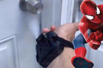 spara-ragnatele igienizzante spider-man