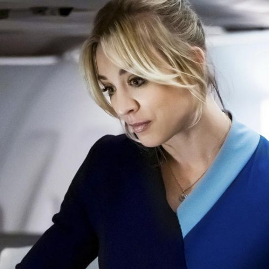 kaley cuoco the flight attendant