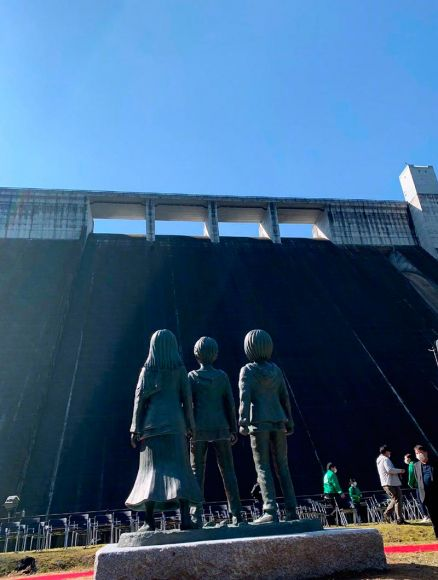 statue attacco dei giganti hita