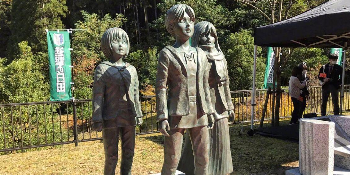 statue attacco dei giganti